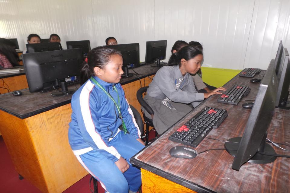New Computer Laboratory 12